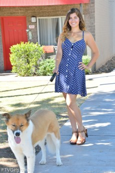 wpid-pretty-dog-walker7.jpg