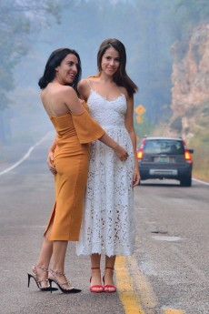 Saraya & Chloe - Public Lesbian Love
